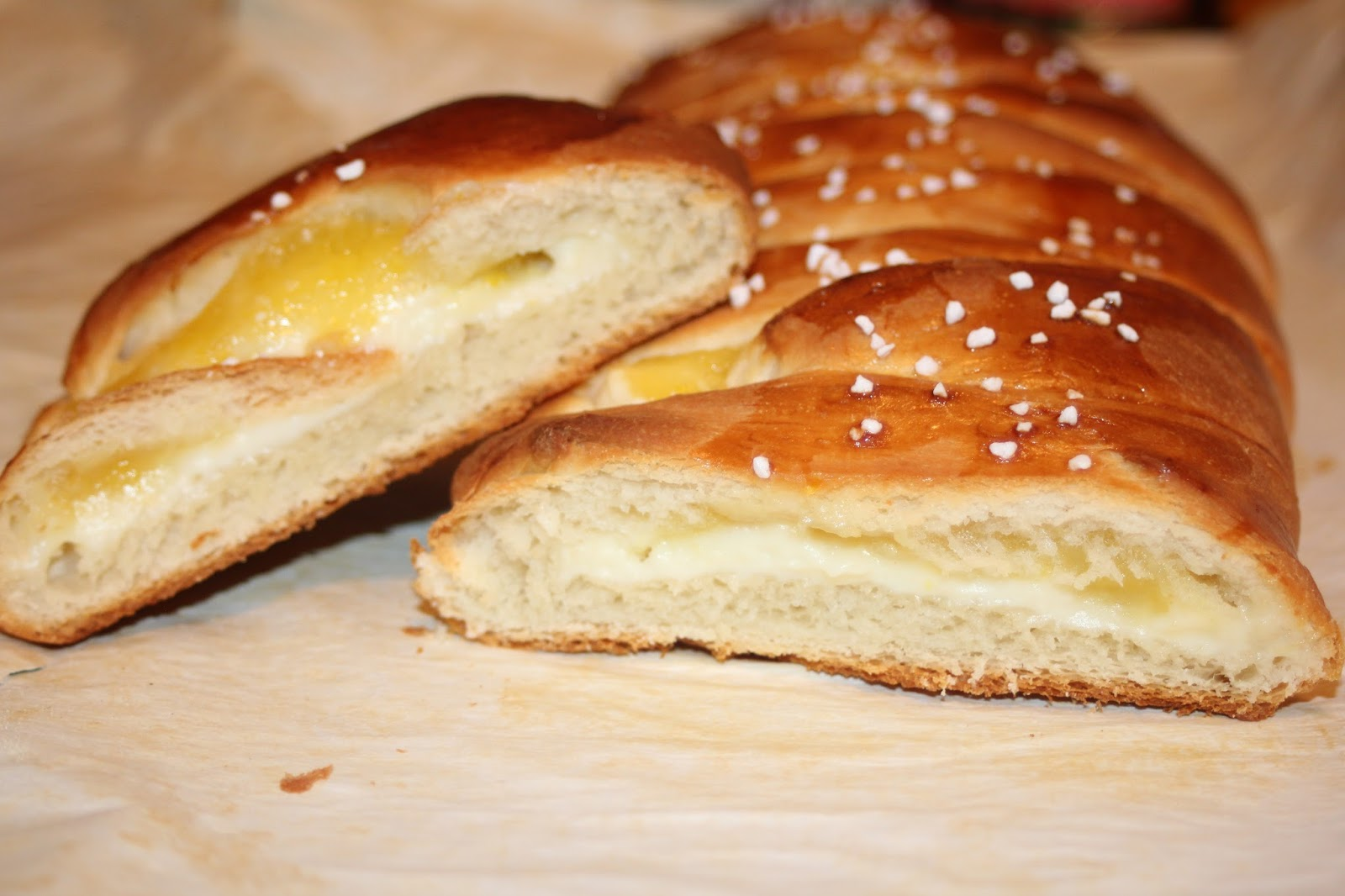Julie Bakes: Braided stuffed lemon bread