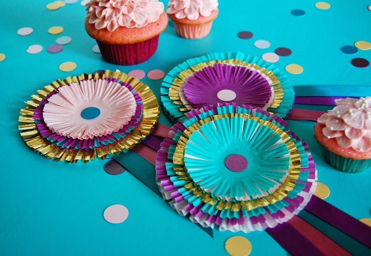 Trophy Cupcakes and Party! DIY Cupcake Liner Award Ribbons