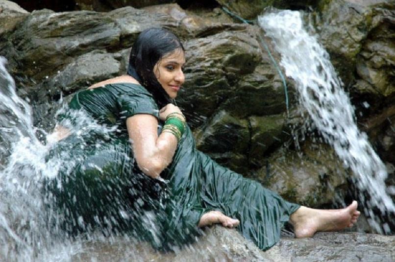 tamil-bathing-girls-nude-image-naked-striper-girls