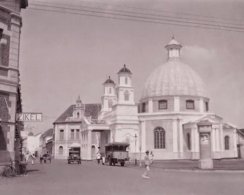 Gereja Blenduk, Kota Lama