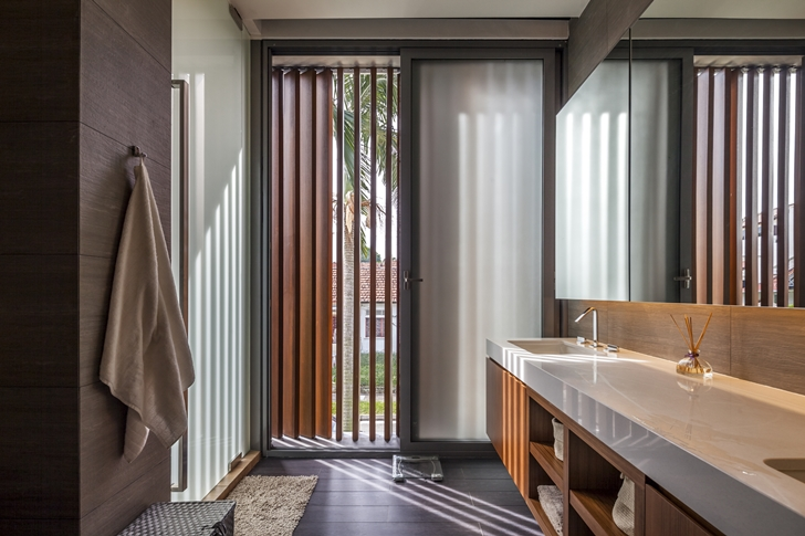 Bathroom in Modern House by Wallflower Architecture + Design