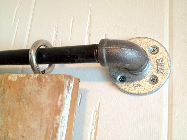 barn door using pipe 2