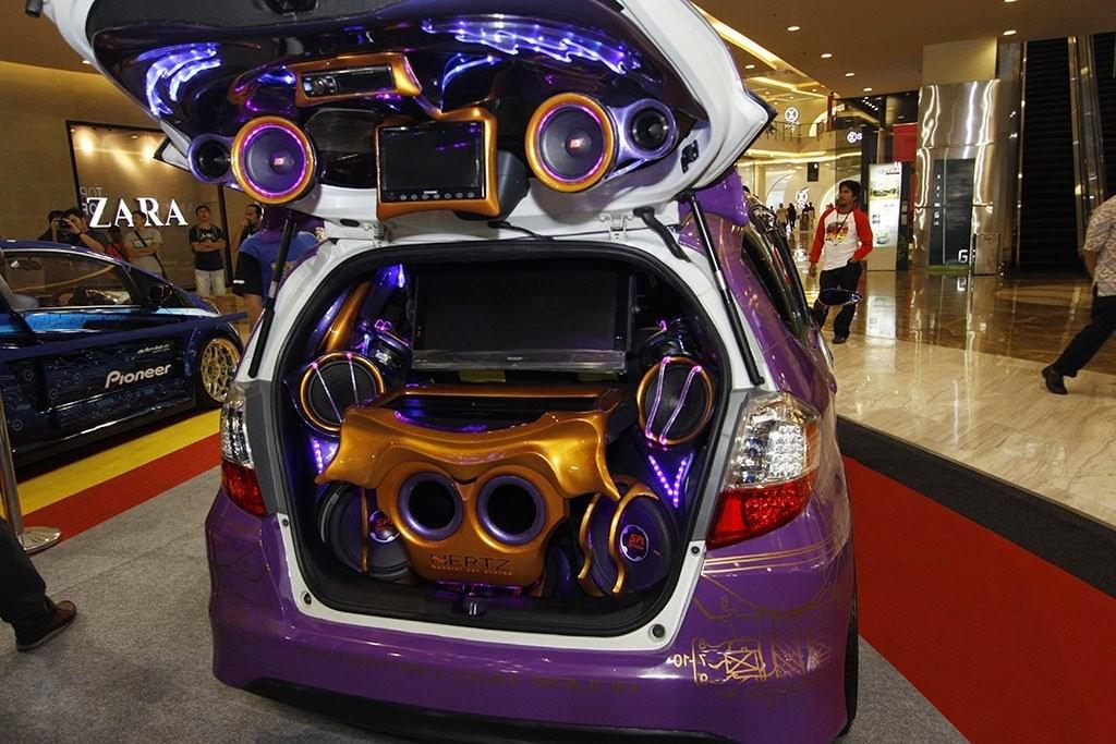 modifikasi audio mobil Honda jazz