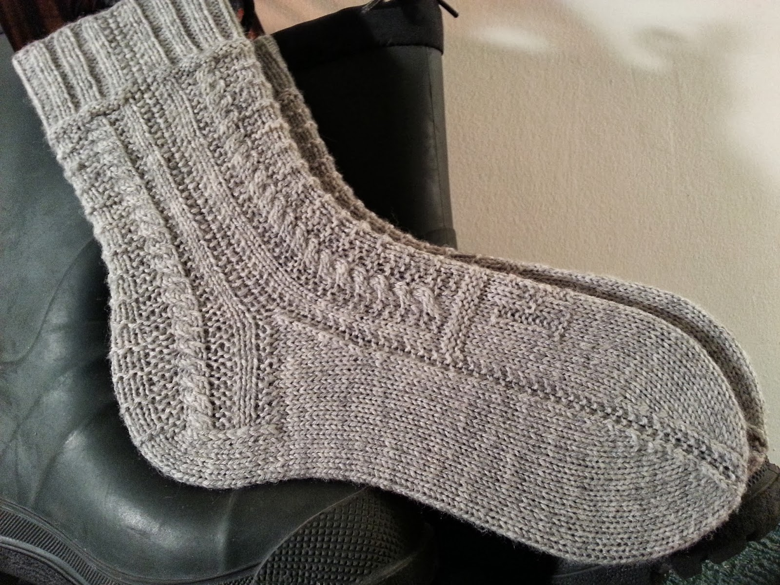 Kate atherley knits a lot mainly socks new old sock pattern traditional gansey pattern stitches make for an attractive interesting to knit but not too challenging sock pattern suitable for both men and women bankloansurffo Image collections