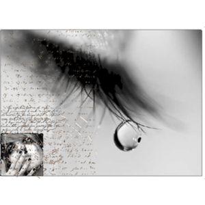 دموع الحزن عن النساء
