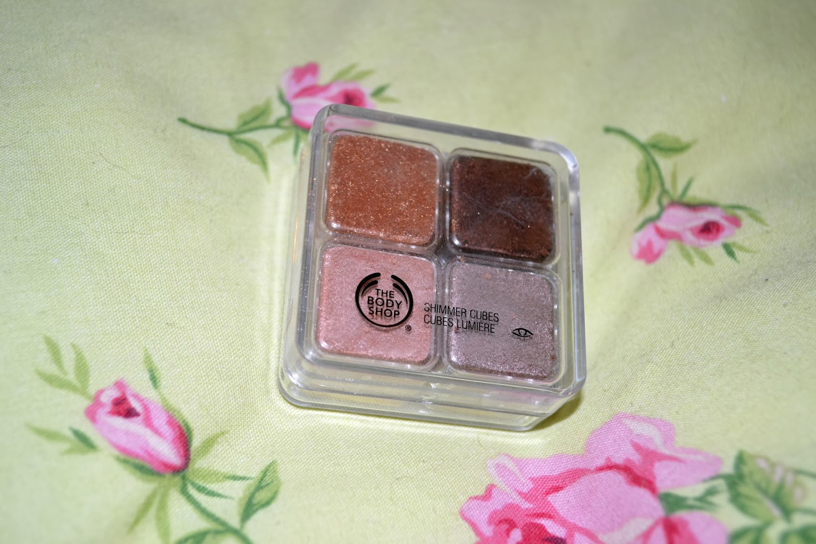 beauty body shop shimmer cube palette review lilla loves