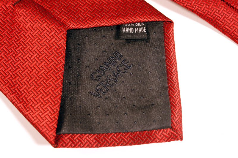 fake tie content tag detail