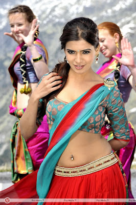 Samanta Hot Navel Show