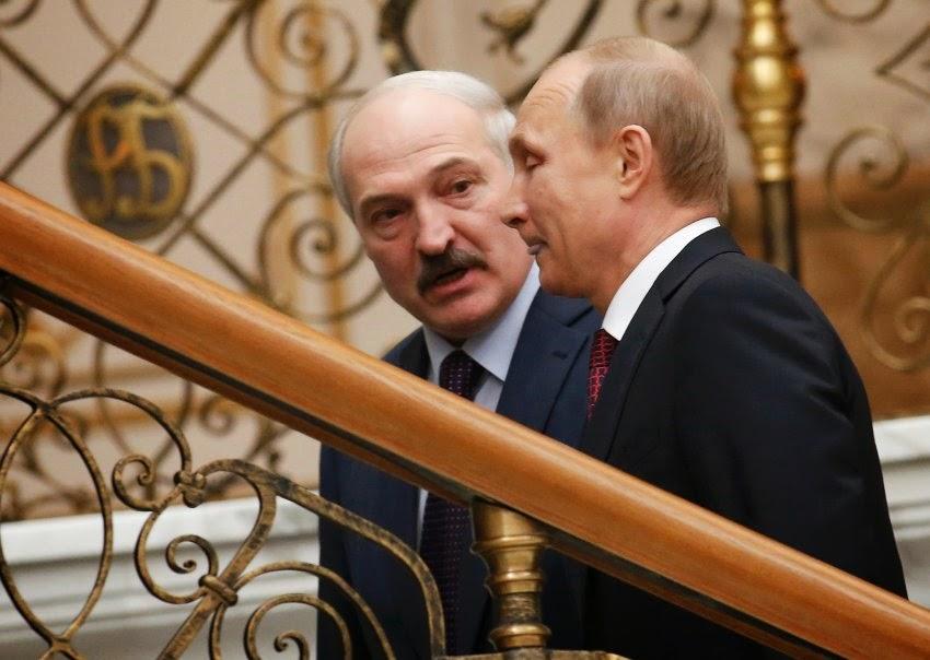 "UE considera se aproximar do ""último ditador da Europa"" Alexander Lukashenko"
