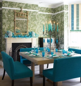 Here is a chic juxtaposition - a very traditional Chinoiserie wallpaper and gold pagoda mirror contrasted with modern turquoise benches and table setting. & Chinoiserie Chic: Setting the Chinoiserie Table - Turquoise