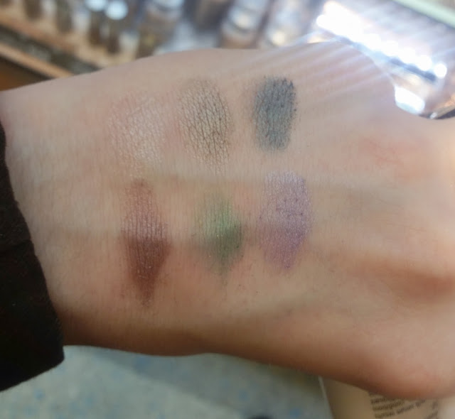 luminous shine eye shadow Swatch