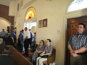 Participând la slujba de liturghie în Houston