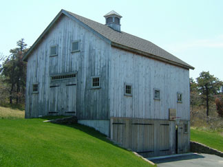 Irishman acres a lesson in barns for Bank barn plans