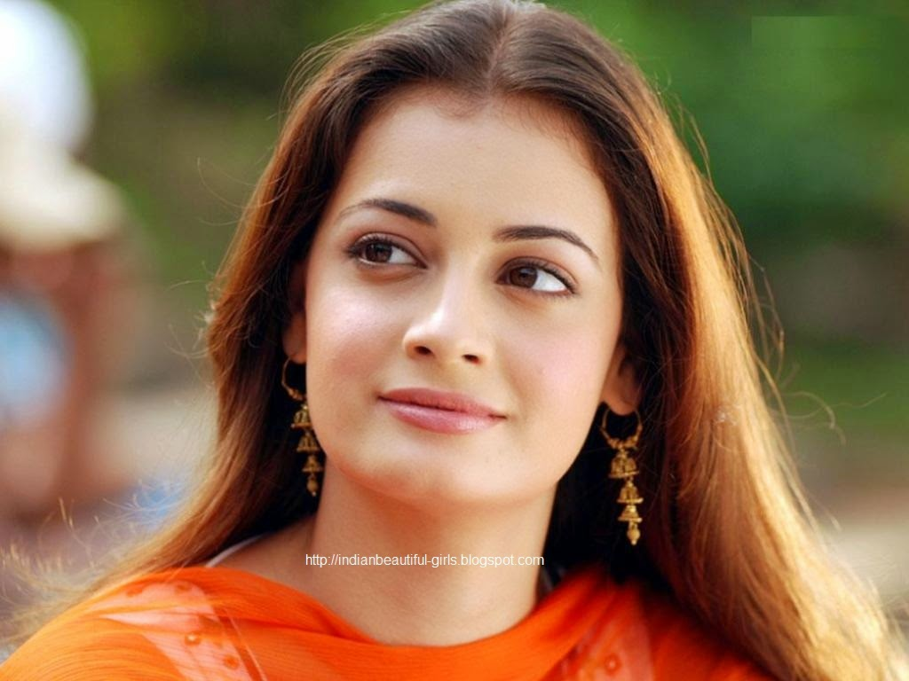diya mirza hot wallpapers & pictures gallery ~ world beautiful girls