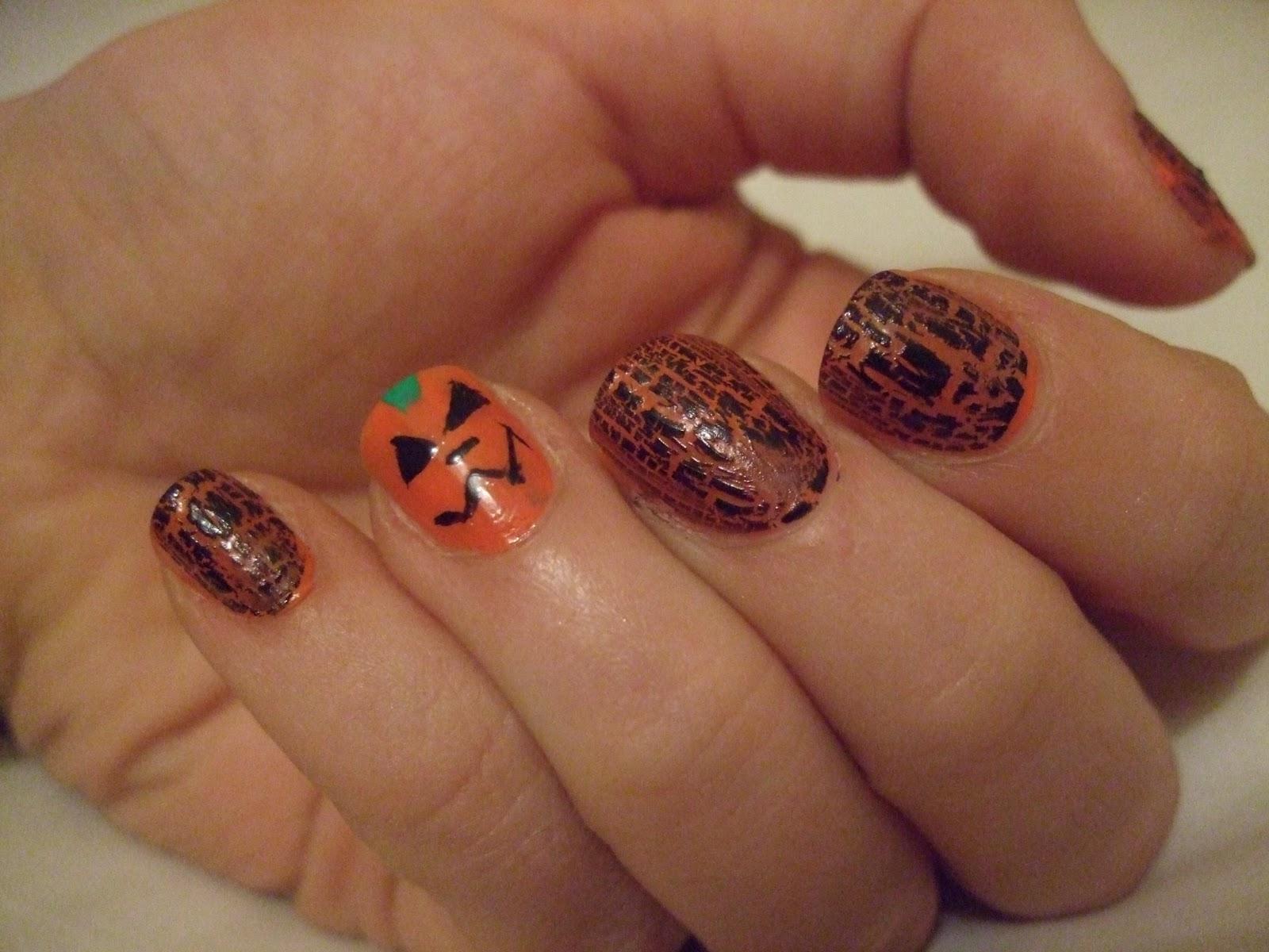 Oooooh Pretty: Halloween Pumpkin Nail design