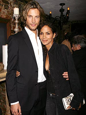 halle berry spouse