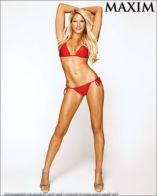 WWE Wrestler Diva Kelly Kelly Sexy Rod Bod Picture