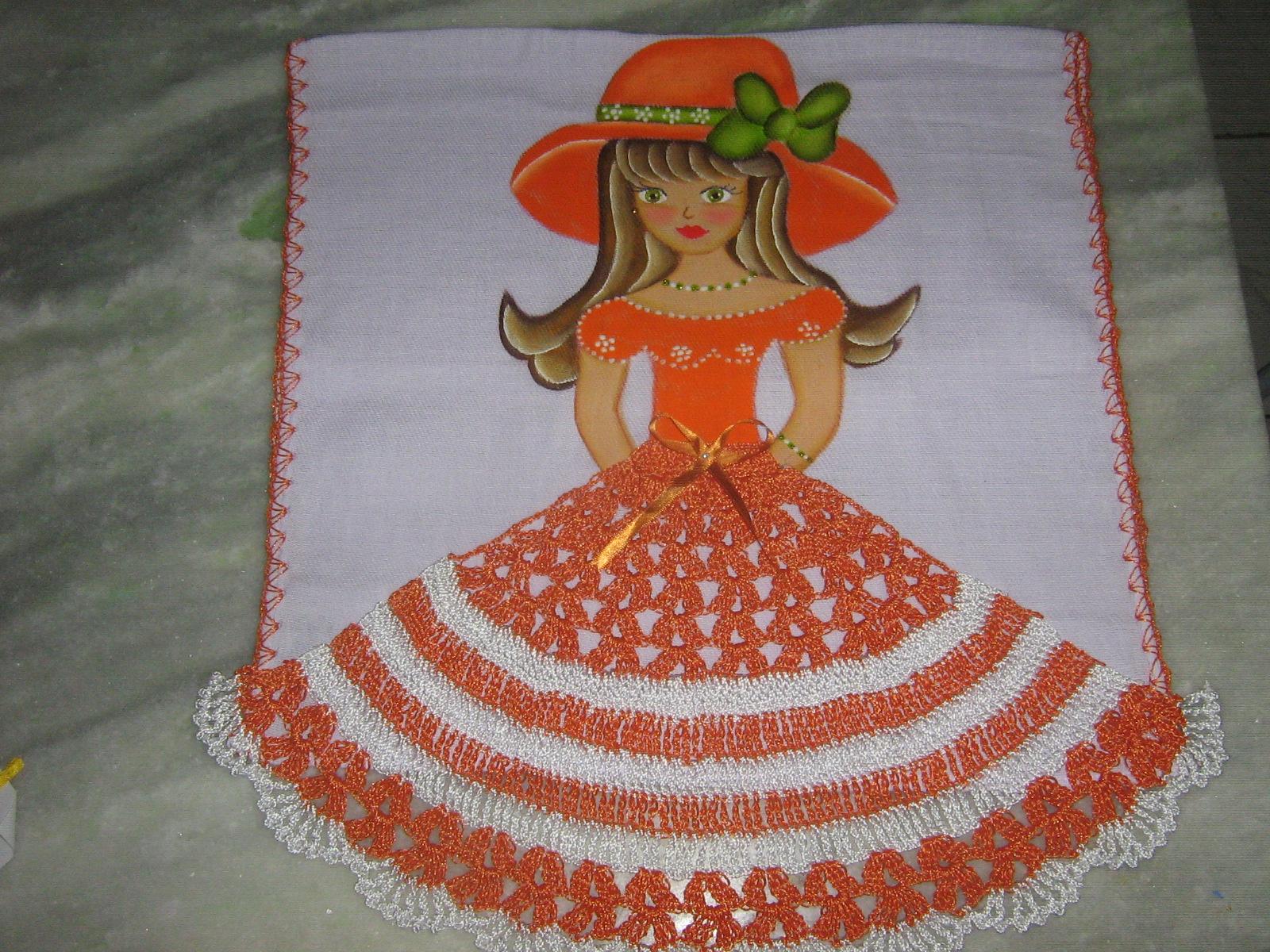 Preferência mundo das bonecas: bonecas pintadas com saia de croche JN23