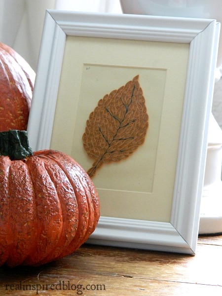 7 Easy Ways to Decorate for Fall-Orange Pumpkins and Leaf Art