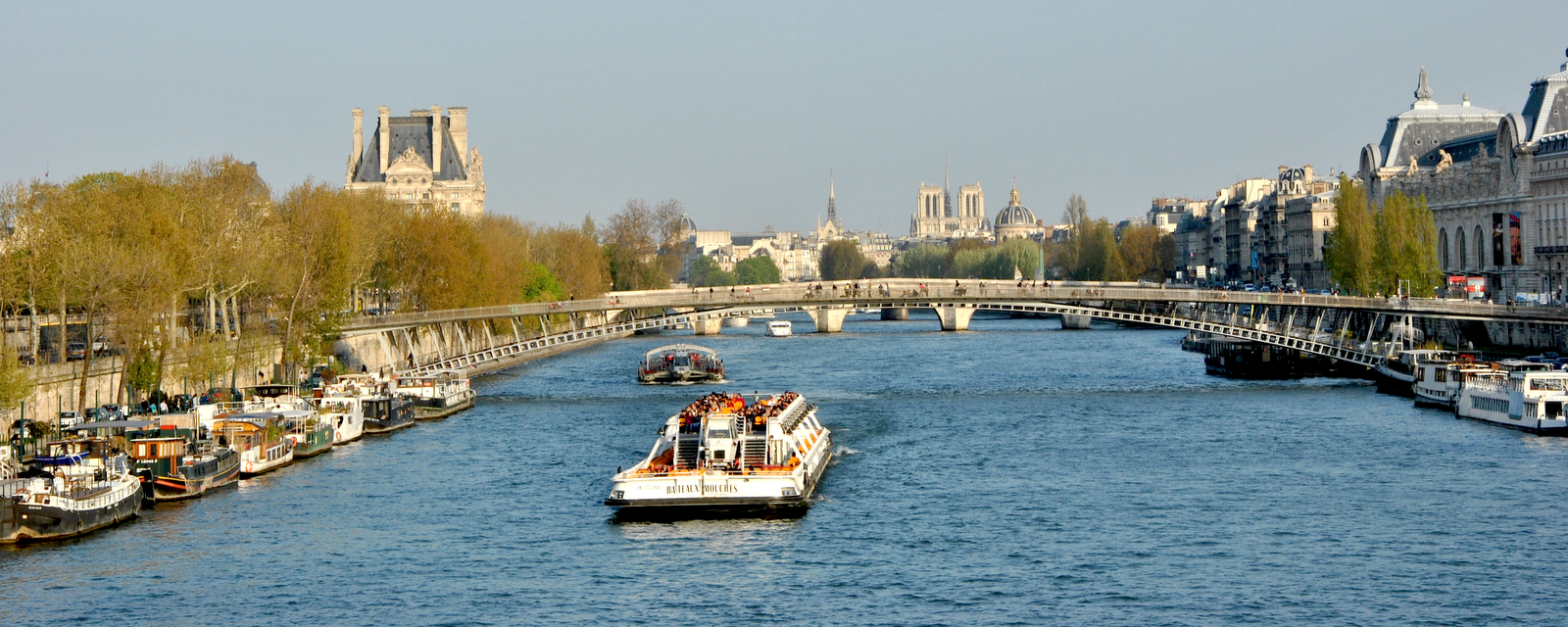 balade paris promenades sur la seine comment choisir enjoy life in paris. Black Bedroom Furniture Sets. Home Design Ideas