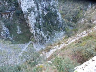 descenso-pueblo-tresviso-en-cantabria