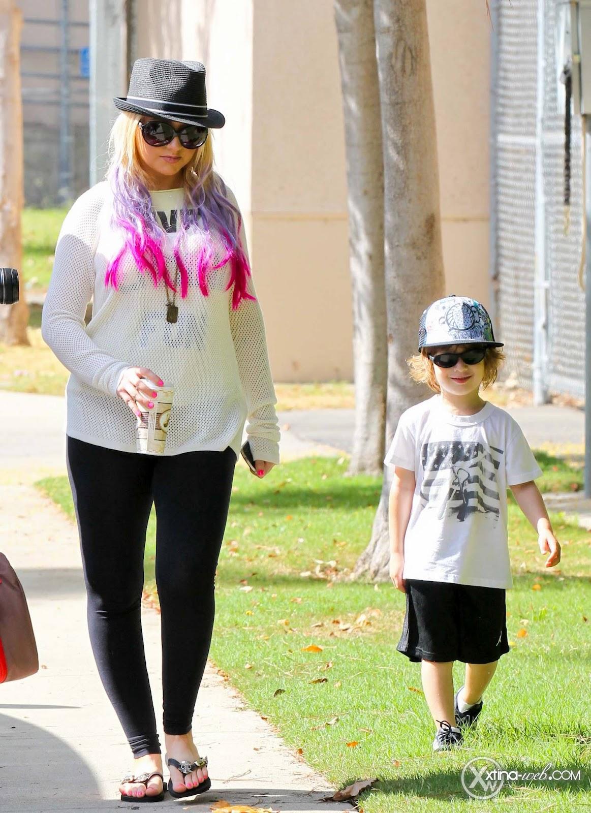 [Fotos] Christina, Max y Matt en Studio City (California) 7/10/2012 02