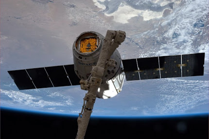 SPACEX DRAGON BRINGS SUPPLIES TO INTERNATIONAL SPACE STATION