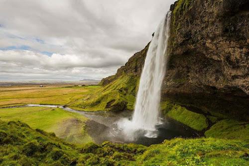 Seljalandsfoss falls - Iceland