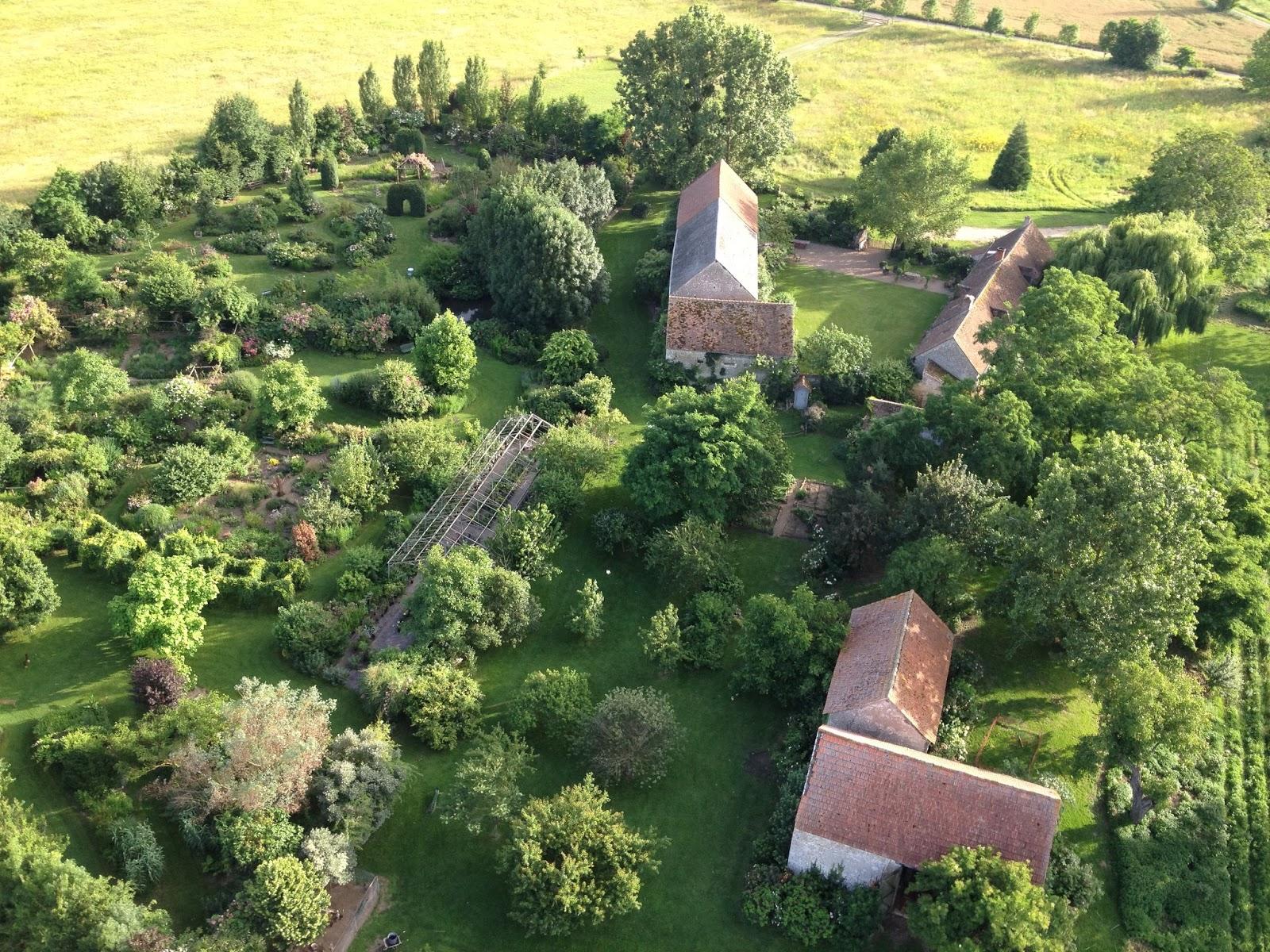 Promesse de roses en orl anais les jardins de roquelin 45 for Jardin 0 l4anglaise