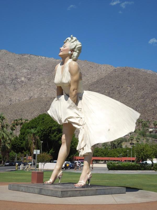 Giant Forever Marilyn statue