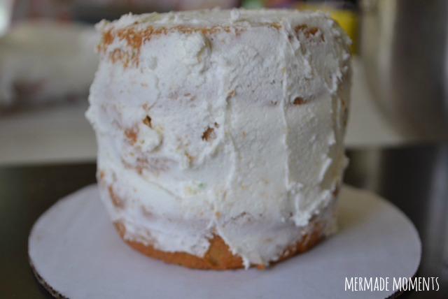 crumb-coat-cake