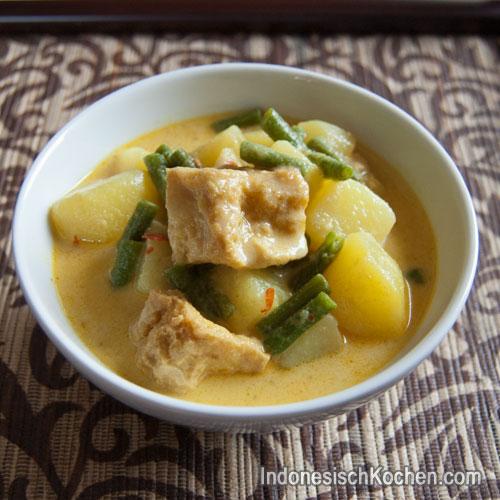 Tofu und Gemüse Eintopf indonesisch