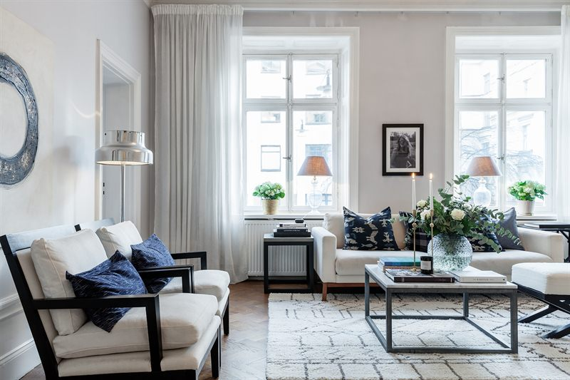 Victoria hagen look alike for Apartment design victoria