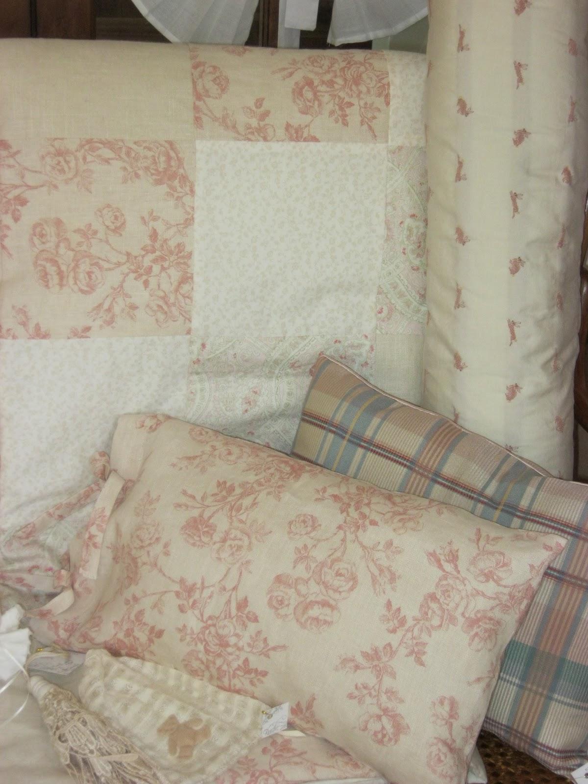 Paz montealegre decoraci n ropa para cuna cubrecamas de cuna protectores s banas de cuna - Protectores para cama cuna ...