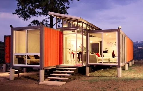 03-Night-Side-View-Recycled-Container-House-Architect-Benjamin-Garcia-San-Jose-Costa-Rica-Solar-Panels-Recycled-Metal-www-designstack-co