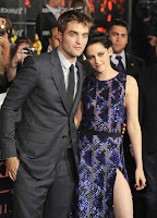 AVP%2BBreaking%2BDawn%2Bpart%2B1%2Btapis%2Brouge%2B14nov2011%2BRobert%2BPattinson%2Bet%2BKristen%2BStewart%2B01 dans articles sur twilight