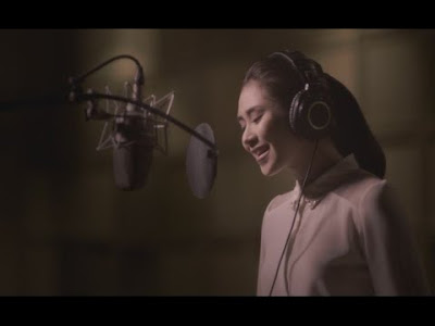 "Sarah Geronimo sings the official theme song of the much-awaited film of the year, ""Felix Manalo""."
