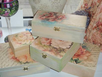 Relas come decorare un portaoggetti bauletto in legno - Decorazioni decoupage ...