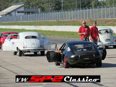 Um Volkswagen SP2 nas pistas_10