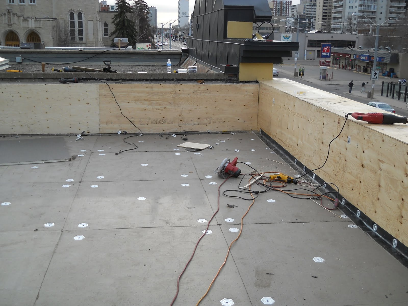 Chicago Roofing Contractors for White Membrane Roof Systems