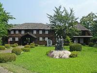 盛岡市指定文化財になっている旧渋谷尋常小学校。