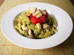 Passatelli asciutti con battuto di carciofi e olive taggiasche, pesce spada e pomodori confit