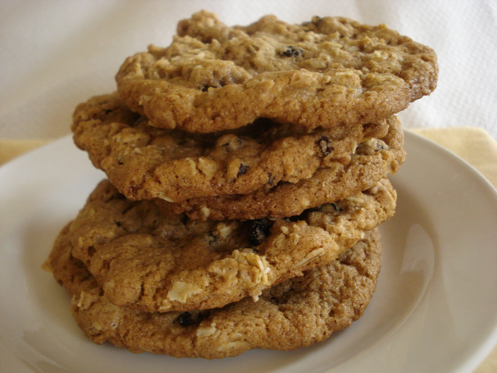The Cookie Scoop: Oatmeal Currant Cookies