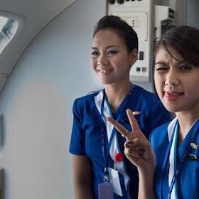 Foto Pramugari Sukhoi Superjet 100 [ www.BlogApaAja.com ]