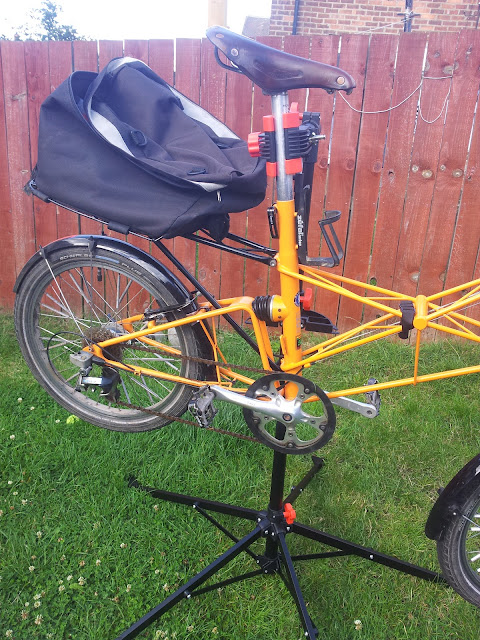 cycling south tyneside review bikemate maintenance stand. Black Bedroom Furniture Sets. Home Design Ideas