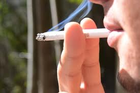 Mais de 500 pessoas morrem diariamente por causa do tabagismo