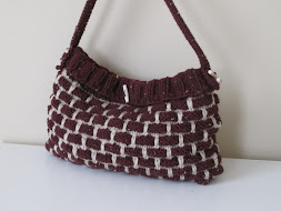 Burdundy -ivory knitted bag