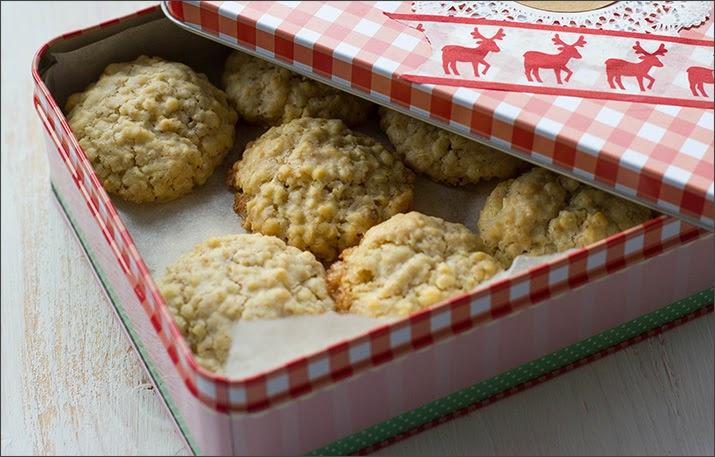 geschenke aus der k che haferflocken mandel kekse die schmecken nicht nur zu weihnachten. Black Bedroom Furniture Sets. Home Design Ideas