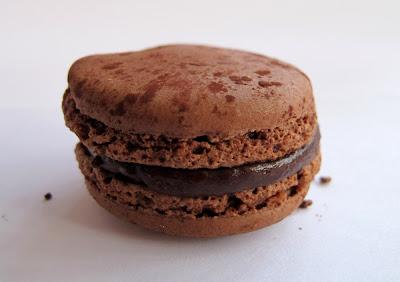 Les meilleurs macarons au chocolat de Paris - Pierre Hermé