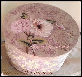 Cappelliera interamente dipinta a mano